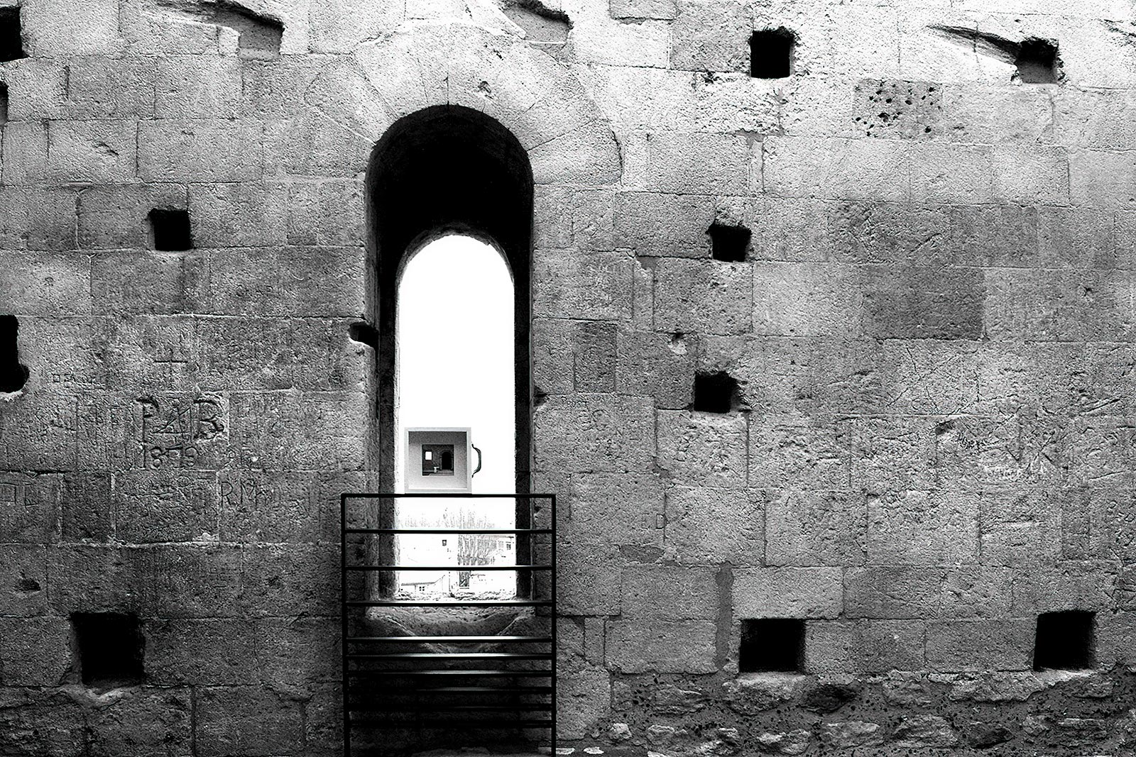 Joyside Stefania Bressani Arles arte abbandono